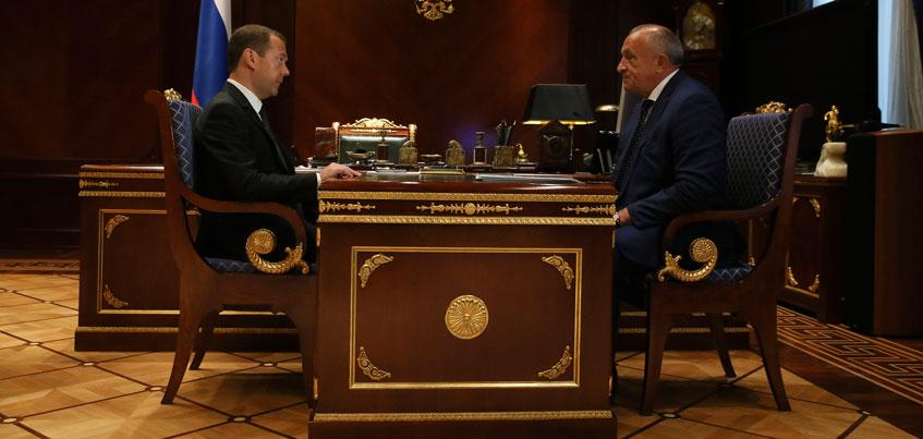 Глава Удмуртии рассказал Дмитрию Медведеву о росте рождаемости и выполнении указа Президента