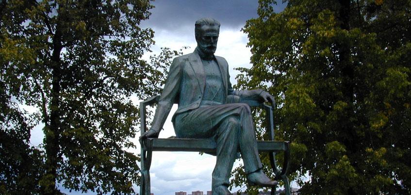 На привокзальной площади Ижевска поставят памятник Петру Ильичу Чайковскому