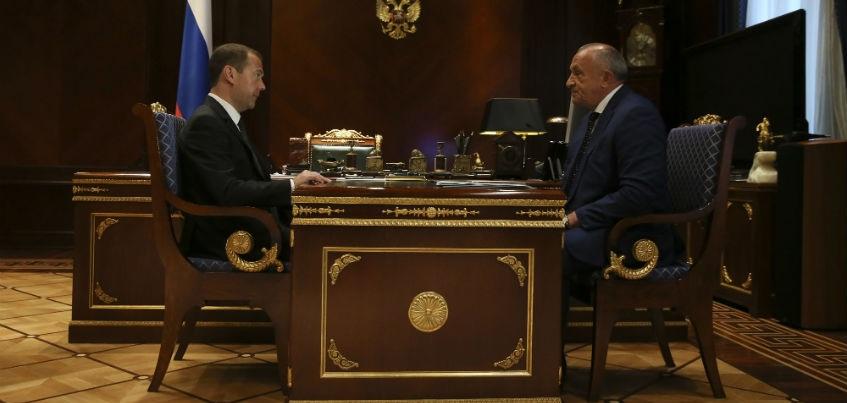 Дмитрий Медведев одобрил ускорение сроков начала ремонта Ижевского аэропорта
