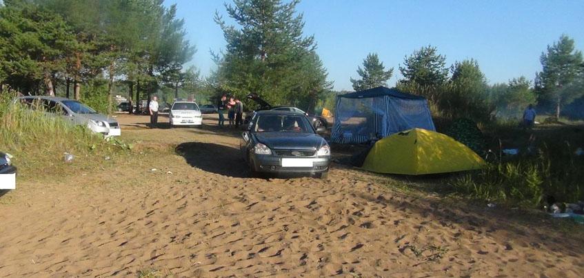 В Удмуртии «Лада Приора» наехала на шатер, в котором сидела 24-летняя девушка