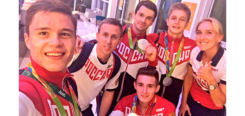 Итоги третьего дня Олимпиады в Рио: пловчиха из США осудила российскую спортсменку за поднятый указательный палец
