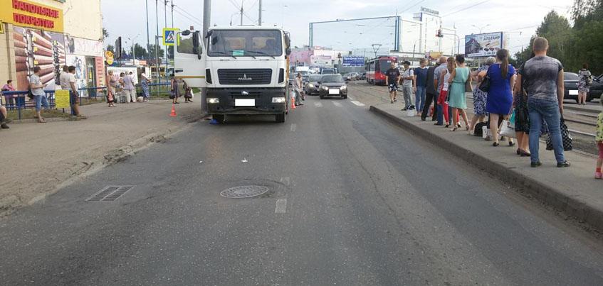 В Ижевске на пешеходном переходе сбили 56-летнюю женщину
