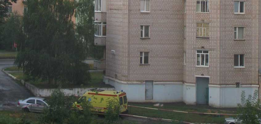 В Ижевске под окнами дома на Орджоникидзе, 25 нашли тело женщины
