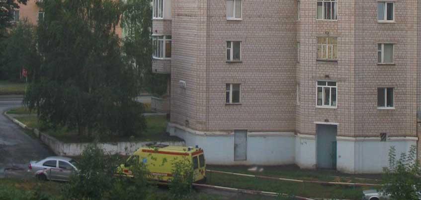 Женщина, выпавшая из окна на Орджоникидзе в Ижевске, жила в этом доме