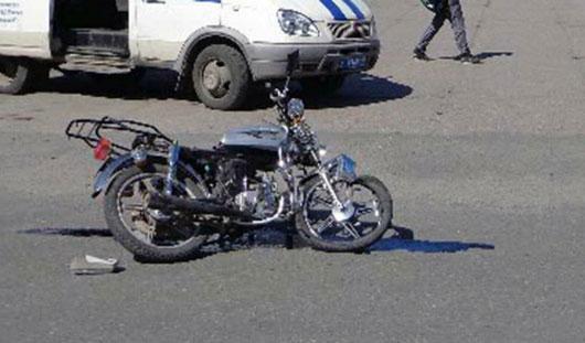 В Ижевске мотоциклист попал под автобус