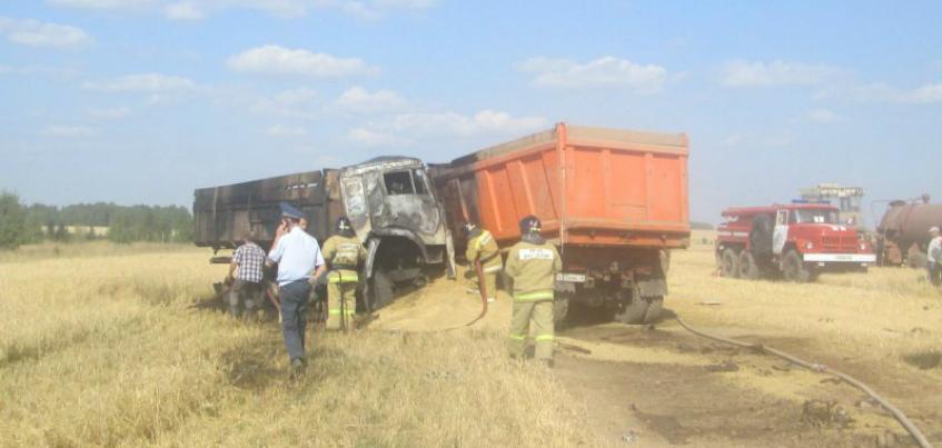 В страшной аварии в Вавожском районе Удмуртии погибли два водителя грузовиков