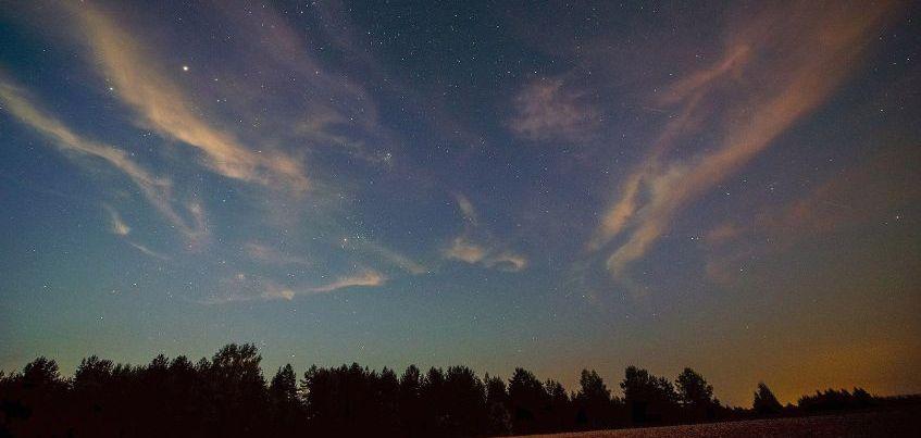 Молнии и звездопад в Ижевске: 14 фотографий, доказывающих, что природа – гениальный художник