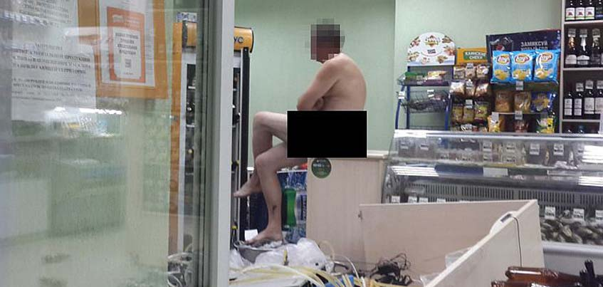 Ижевчанин снял на видео дебош голого мужчины в магазине