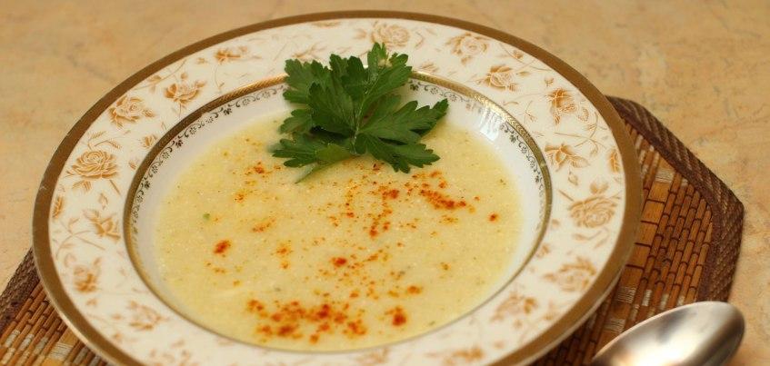 Видео-рецепт: Быстрый суп-пюре из кабачков, который приготовит даже ребенок