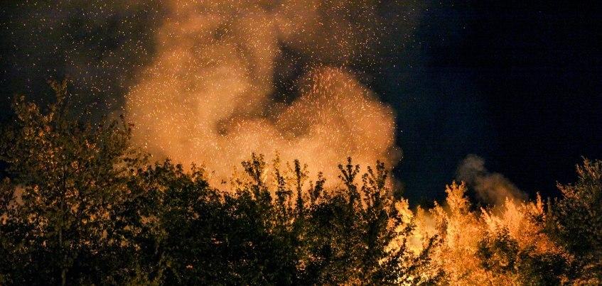 Пожар в центре Ижевска: «Влюбленные смотрели на огонь и обнимались»