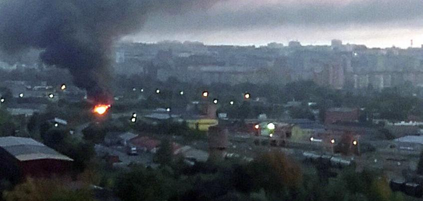 На железнодорожных путях в Ижевске произошел пожар