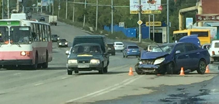 Один человек пострадал в ДТП с троллейбусом на ул. Новоажимова в Ижевске