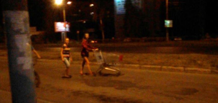 Подростки из Ижевска увезли тележку из «Ашана»