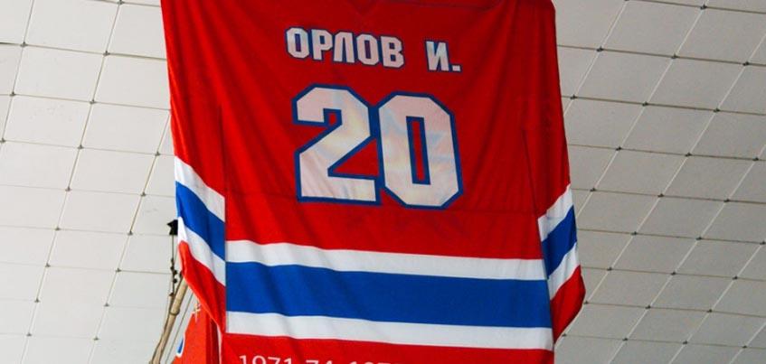 Началось голосование за ижевского хоккеиста, чей свитер поднимут под своды «Ижстали»
