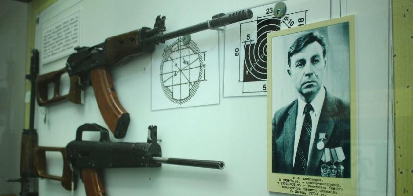 Тихий гранатомет для войны с НАТО и «винтовка - лук»: Какое необычное оружие делали на ижевских заводах?