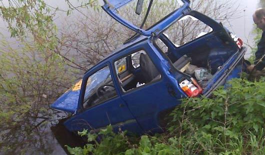 В Удмуртии воры, угоняя авто, утопили его