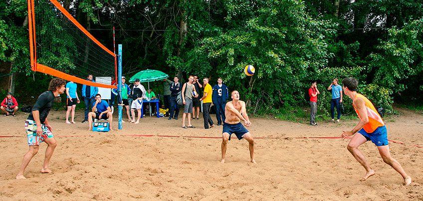 Бесплатные площадки для игры в футбол, волейбол и баскетбол: где ижевчане могут поиграть в командные игры