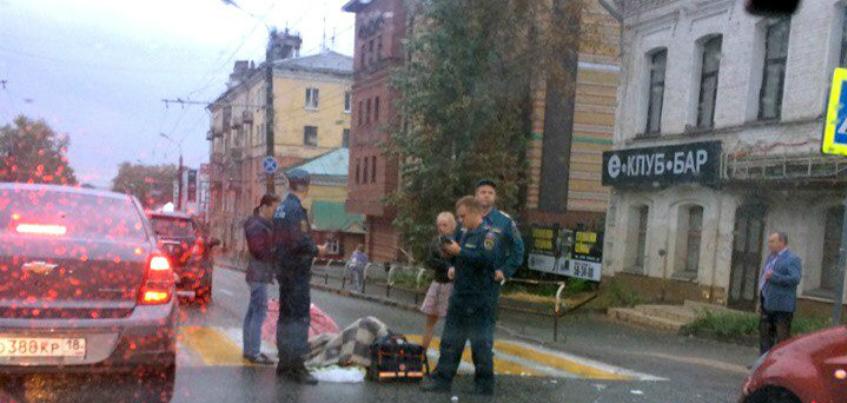 Девушка, которую сбили на перекрестке Максима Горького и Пастухова в Ижевске, находится в больнице