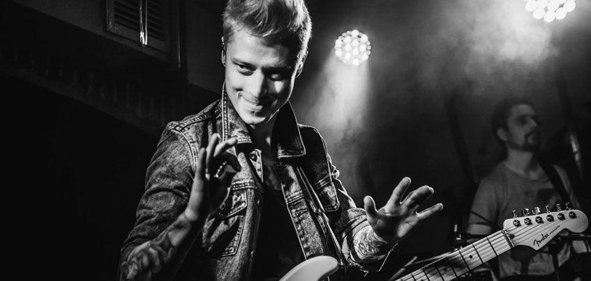 Гитарист группы «Тараканы» Николай Стравинский выступит в Ижевске с сольным проектом