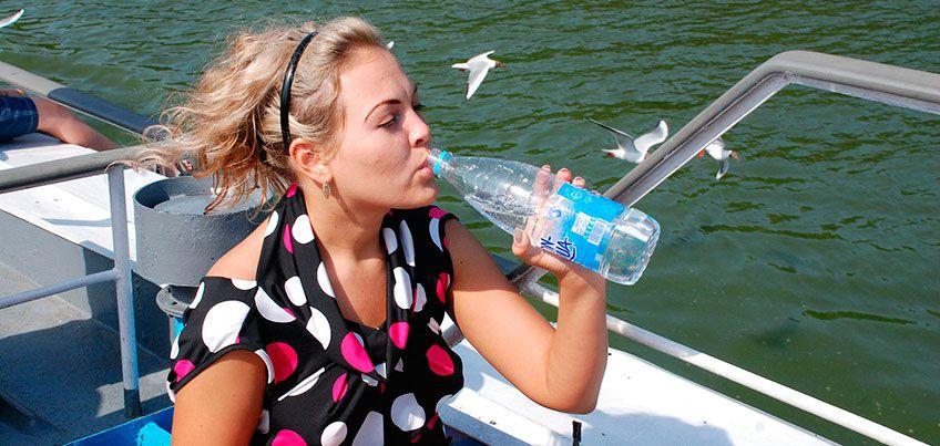 Есть вопрос: можно ли повторно использовать одноразовые пластиковые бутылки из-под воды?