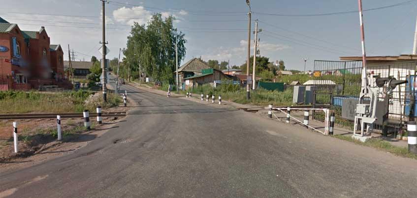 В Ижевске на железнодорожном переезде поезд сбил восьмиклассника