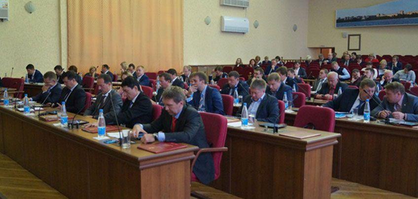 Депутаты Ижевска передали республике в собственность помещение школы хоккея