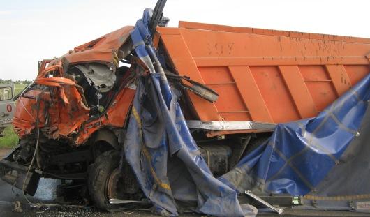 4 грузовых автомобиля и один легковой столкнулись в Удмуртии