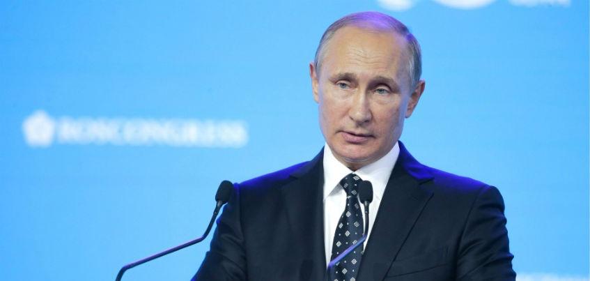 Самолет Владимира Путина приземлился в Ижевске