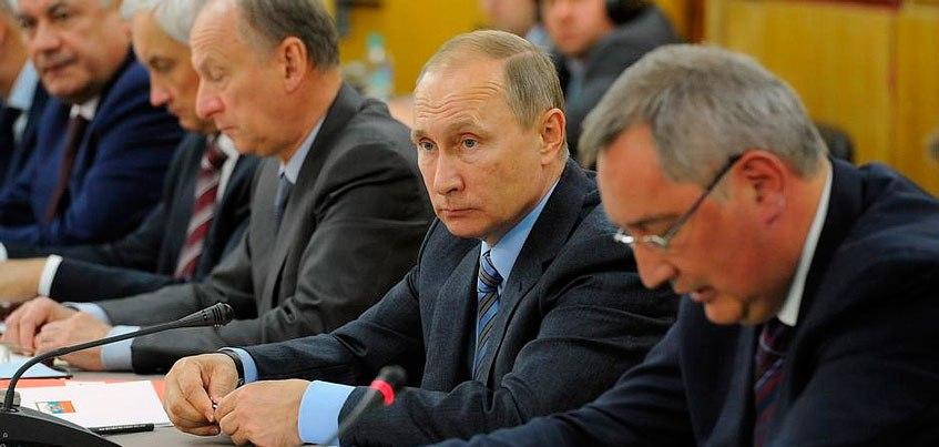 Президент России провел совещание военно-промышленной комиссии в Ижевске