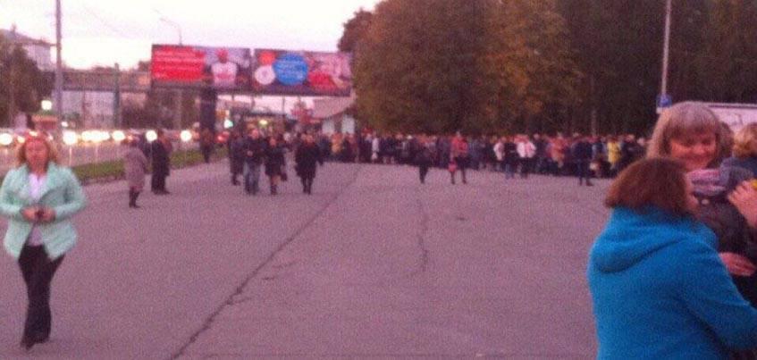 Очередь на концерт к Филиппу Киркорову в Ижевске выстроилась в несколько десятков метров