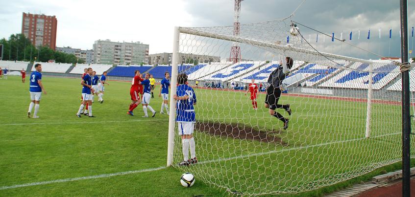 «Зенит-Ижевск» одержал уверенную победу в Новотроицке