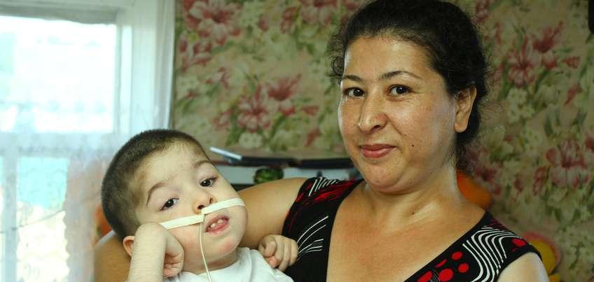 3-летнему Стасу Махсудову из Удмуртии купили инвалидную коляску