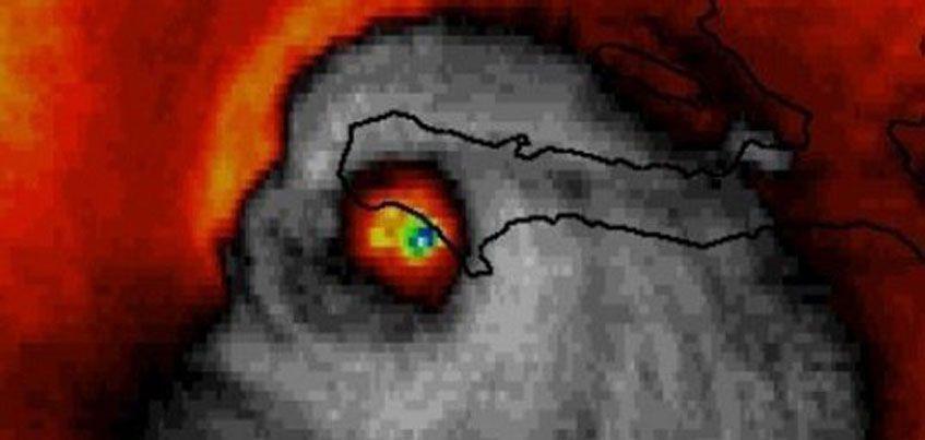 Фотофакт: ижевчане сравнили инфракрасный снимок урагана Мэттью с демоном