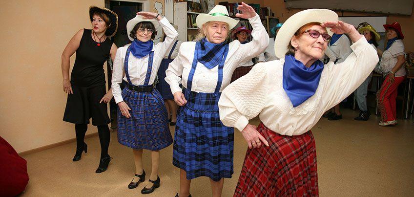 Секреты молодости: ижевские пенсионерки организовали свою танцевальную студию