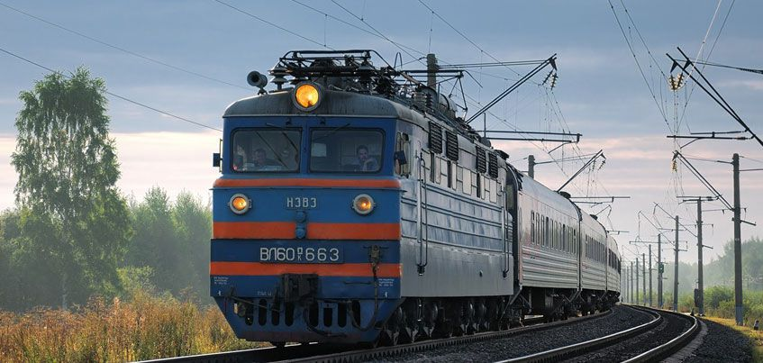 Подросток из Ижевска положил на рельсы приближающегося поезда нож