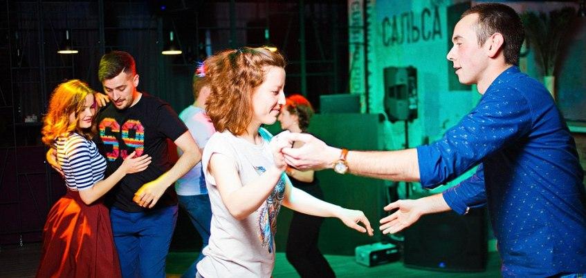 Танцы для взрослых: 7 мест, где можно научиться танцевать
