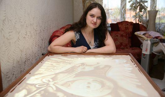 Художница из Ижевска, рисующая песком: «Не ожидала, что это станет приносить большие деньги!»