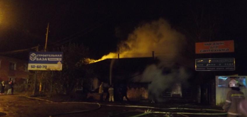 В Ижевске на улице Зимней сгорел жилой дом