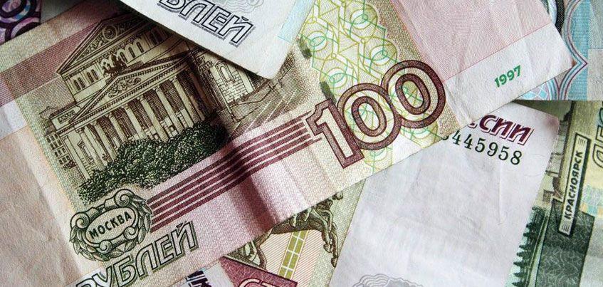 С 1 июля 2017 года  минимальный размер оплаты труда составит  7800 рублей в месяц