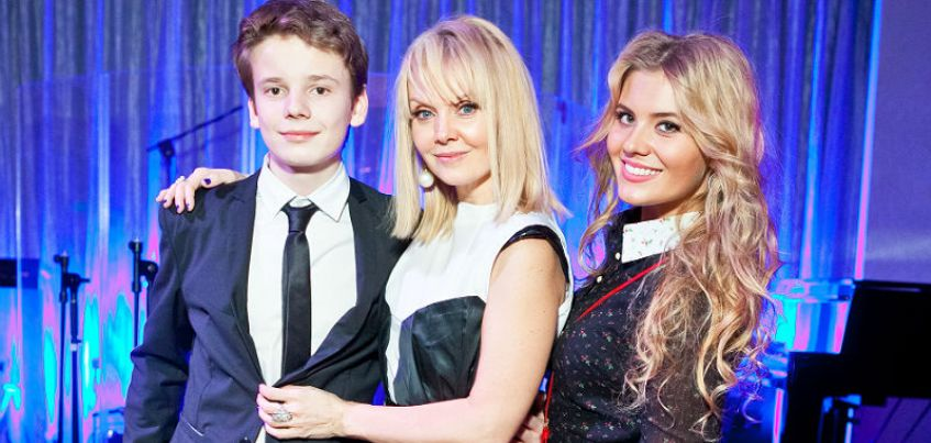 Вместе с певицей Валерией в Ижевске выступят ее сын Арсений и дочь Анна