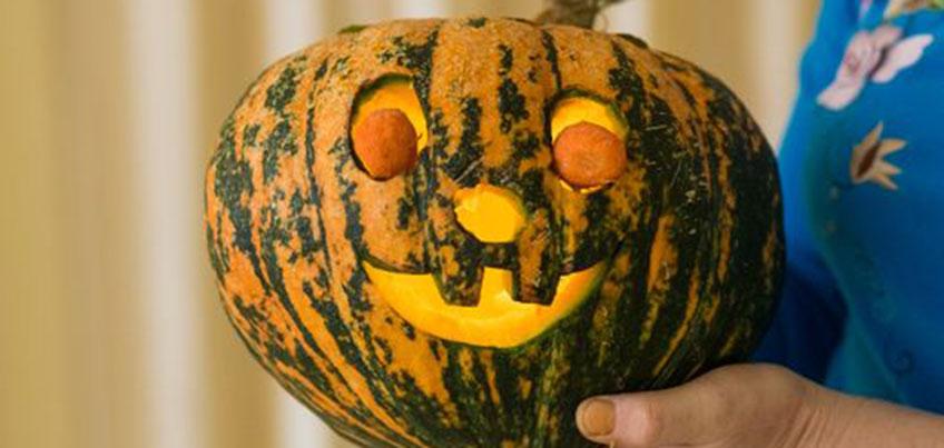 Мастер-класс для ижевчан к Хэллоуину: делаем тыкву и маску