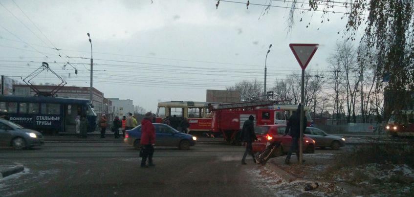 В Ижевске на улице Ленина в трамвайном вагоне произошло задымление