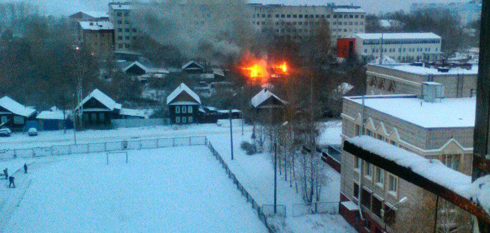 В городке Строителей в Ижевске сгорел дом