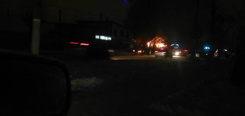 В Ленинском районе Ижевска полностью сгорел частный жилой дом