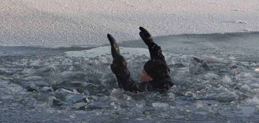 Три рыбака из Удмуртии провалились под лед в Татарстане