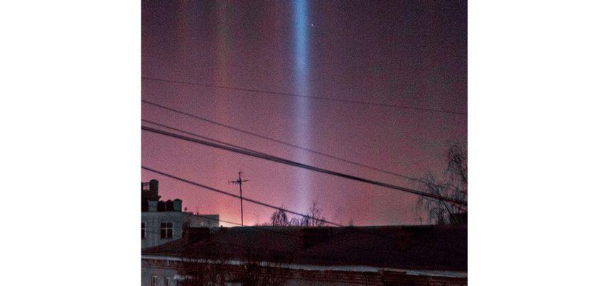 Фотофакт: Ижевчане приняли необычное свечение на небе за северное сияние