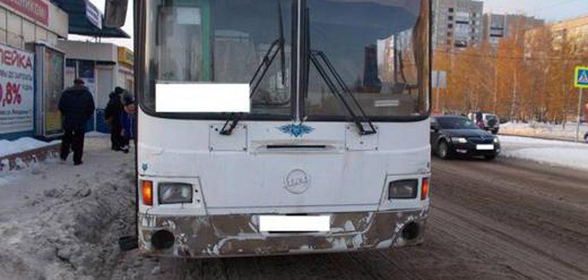89-летняя пенсионерка попала под колеса автобуса в Ижевске