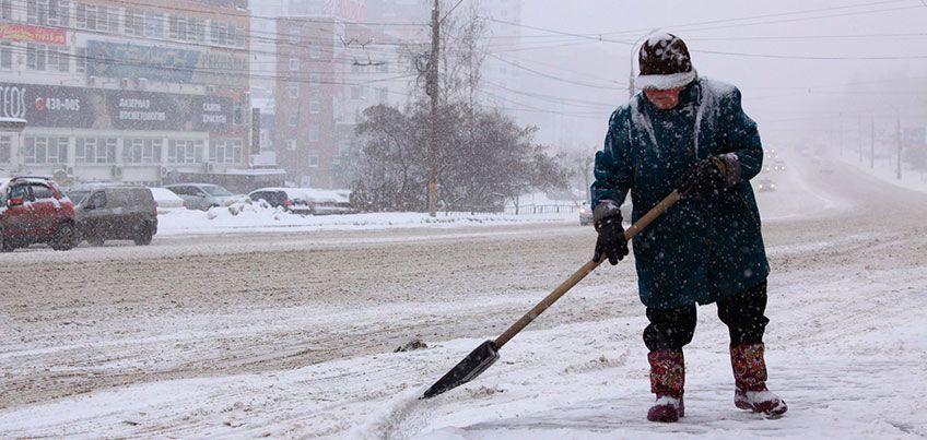 Перепады погоды: в Ижевск после сильного снегопада пришел мороз