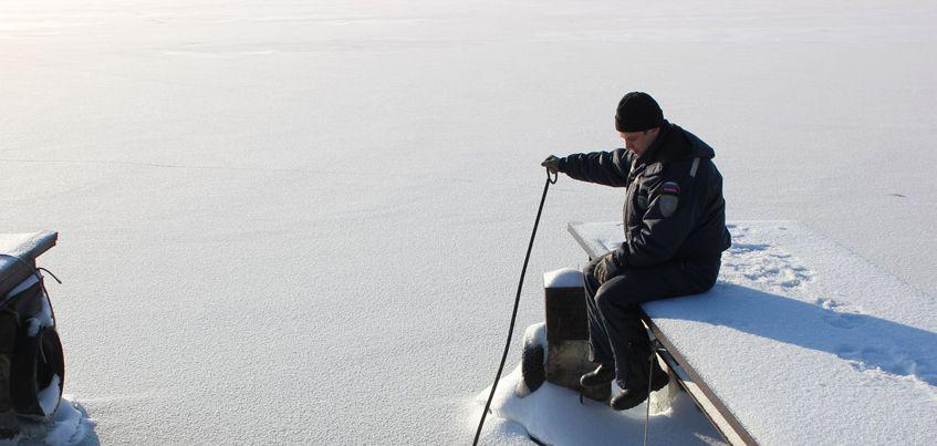 В Ижевске рыбак провалился под лед на пруду