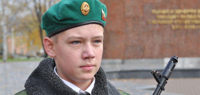 Детская неожиданность: Должна ли девушка ждать парня из армии?
